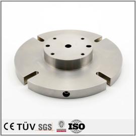 マシニングセンターとNC旋盤設備加工の加工設備を生産する、焼き戻しと焼入れの表面処理で加工製品.