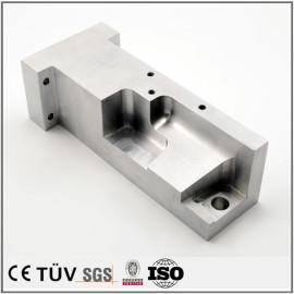 アルミ製品の精密機械加工五軸  精密金属パーツ加工