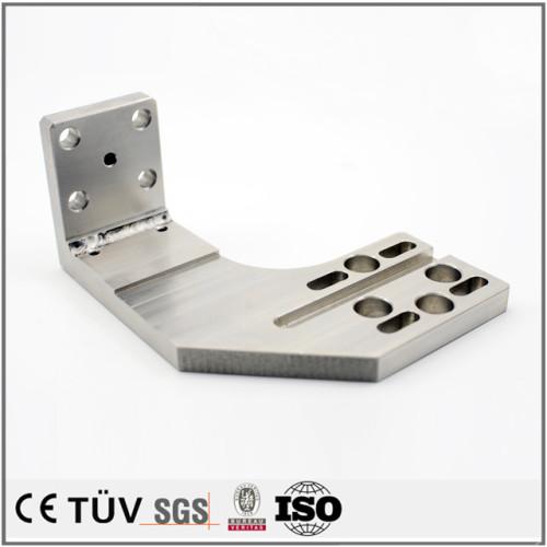 電気溶接機、レーザー加工機、NCパンチプレスなど設備で溶接加工。