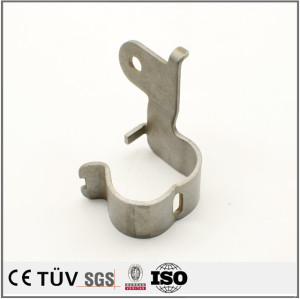 板金加工とは、比較的薄い板状の金属製の材料に、「切断」・「パンチ」・「折曲」 などの力を加えて、目的の形状に変形させて製品とする加工のことです
