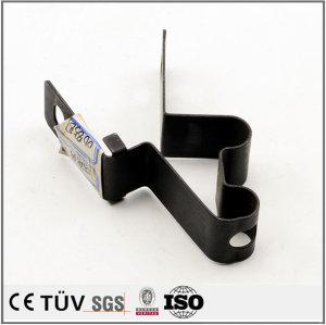 板金加工.レーザーカット複合加工機で生産、切割、压型、巻板プレスの加工