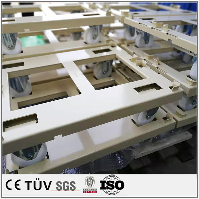 工業用輸送設備の加工、板金部品の溶接加工