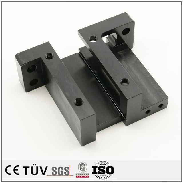 SS400材質、マシニングセンタ、ワイヤーカットなど加工、黒染処理