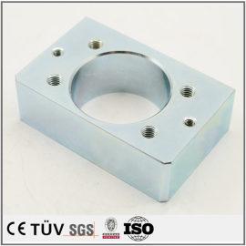 高品質表面処理対応メーカー、金属表面にブルー亜鉛メッキ処理