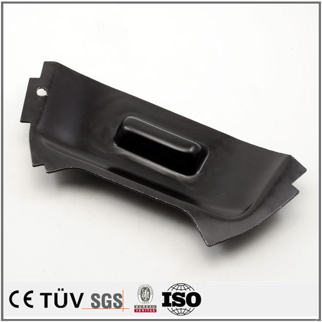 金属板金加工、表面黒染め処理、窒化処理などの機械パーツ