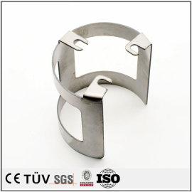 曲げ加工、精密板金加工、無電解ニッケル処理の金属機械部品