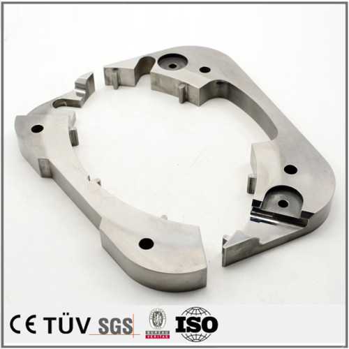 普通焼入れ焼き戻し、旋盤加工、マシニングセンター加工などの高品質部品