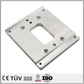 多品種加工対応、アルミ材質、研磨バフ処理した高精密金属機械部品