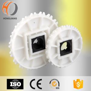 Uso di pignoni per stampi a iniezione termoplastici per catena di trasporto H900