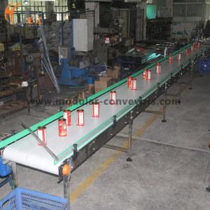 Linha de transporte em linha reta de duas vias para transmissão de latas