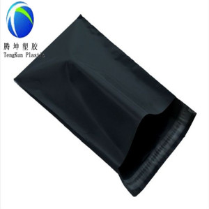 Bolsas de mensajero de color negro con adhesivo autoadhesivo