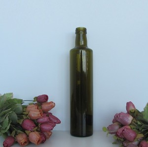 Glass bottle with screw cap for olive oil or vinegar
