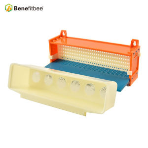 Fourth Generation Plastic Material Pollen Filter Collector Pollen Trap For Beekeeping Tools