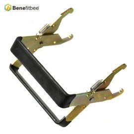 Großhandel Flache Kunststoffgriff Metall Beehive Werkzeuge Rahmen Griff Für Imkerei Equitments