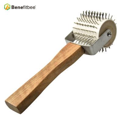 厂家直销养蜂工具木柄针式不锈钢滚轮割蜜叉 蜂具批发定制