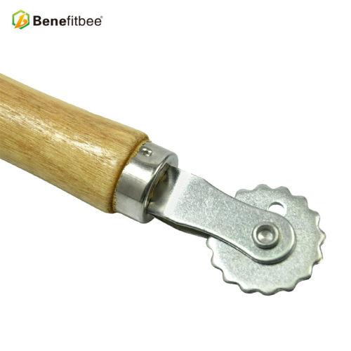 厂家直销益蜂木柄齿轮埋线器优质耐用蜜蜂蜂箱养蜂工具五金蜂具
