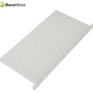 New product beekeeping tool plastic honey bee feeder for sale