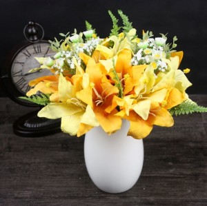 Artificial Lily Bouquet 13.8''
