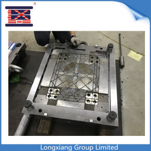Longxiang PP injection molded 4 way Entry reversible plastic pallet mould