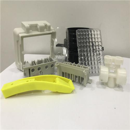 buenos moldes proveedores PC material de la cubierta del coche de moldeo por inyección de plástico