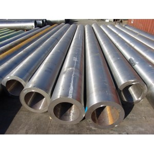 ASTM A192 seamless carbon black steel pipe use of fluid transport