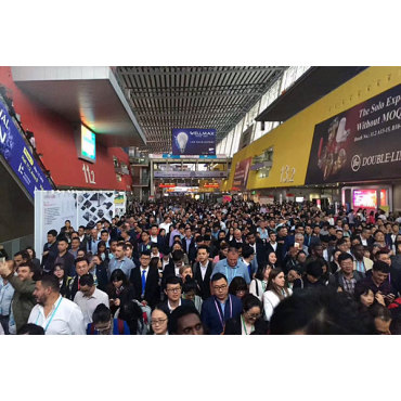 Welcome customers' visit from the Canton Fair in April