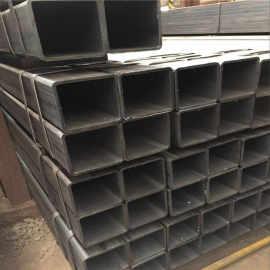 أنابيب مربعة فولاذية خفيفة مع 40x40 ، 50x50 ، 80x80 ، 100x100 من YOUFA