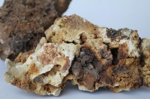 brown dead burnt magnesia 92%
