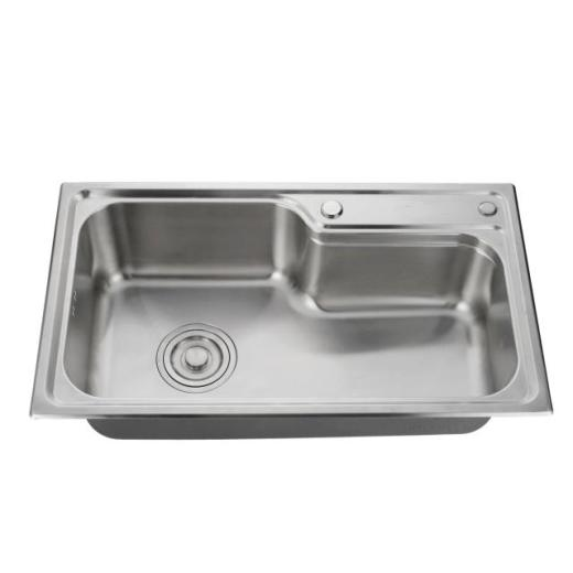 What are the advantages of stainless steel sinks?
