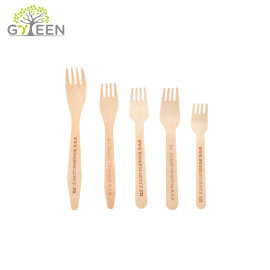 Tenedor de madera desechable biodegradable ecológico