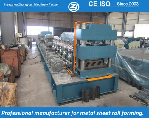 European standard customized guardrail roll forming machine   ZHONGYUAN