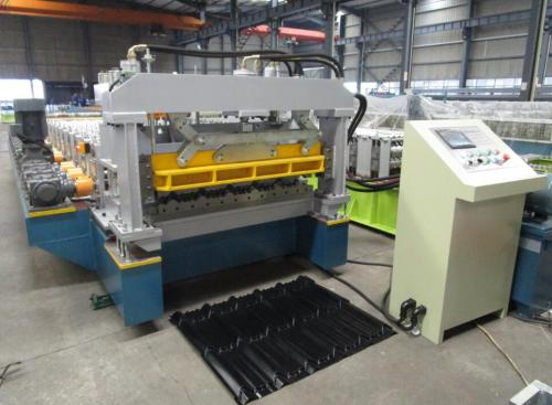 Gear box transmission high speed customized aluminium step tile roll forming machines factory with ISO quality system | ZHONGYUAN