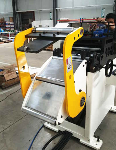 Metal sheet / strip straightener / leveler with decoiler / straightener