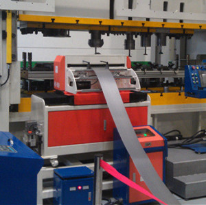 HongEr Coil Metal Sheet / Strip Zigzag NC Servo Feeder NCP-300