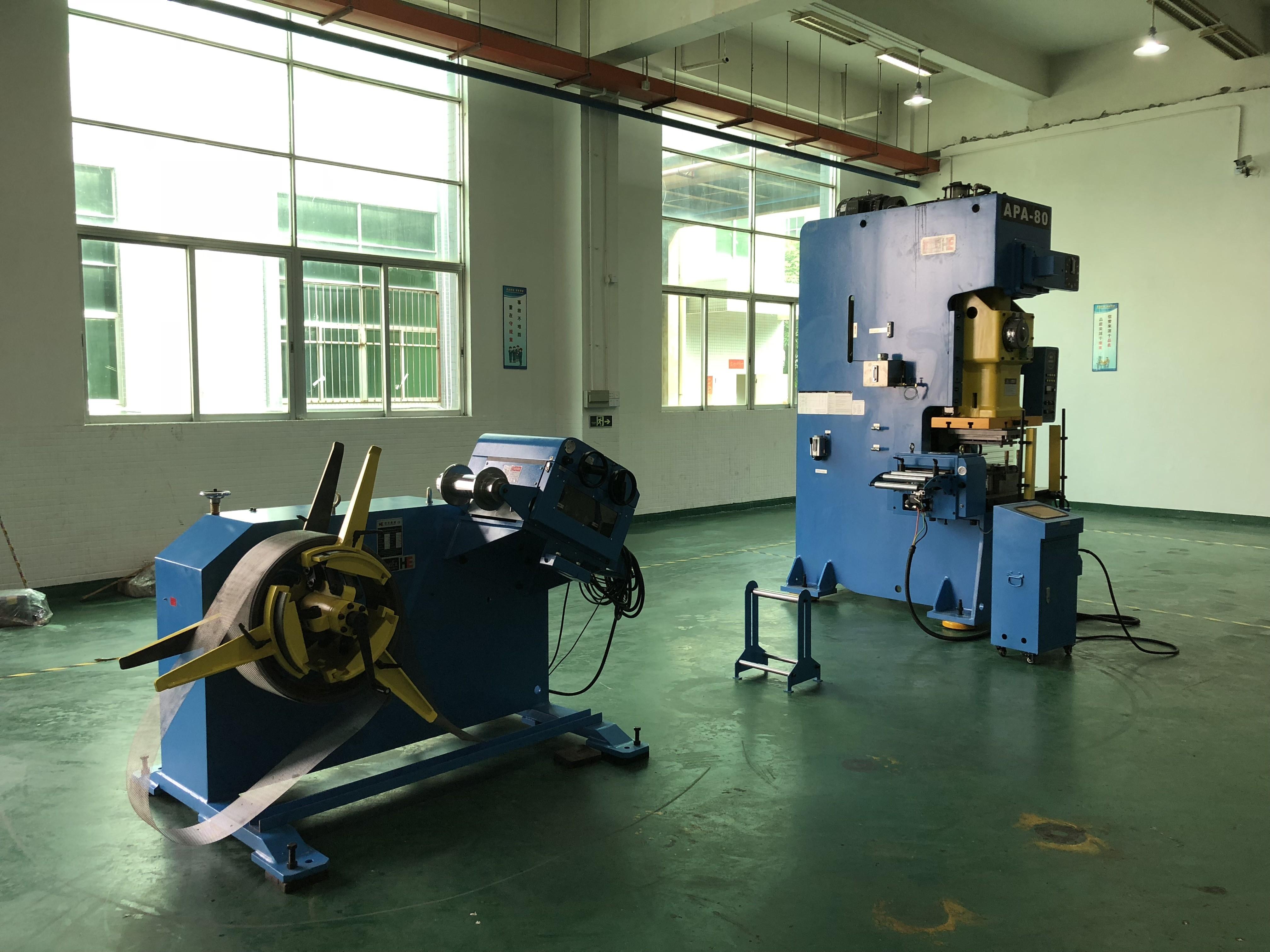 decoiler straightener and servo feeder with press machine