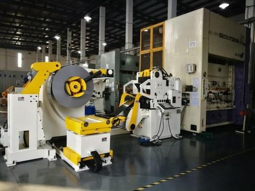 GLK4-800H High Strength Servo Coil Feeder For Thicker Metal Coil Sheet Feeding Line In Press Room