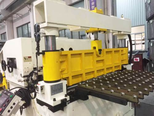 GLK3-1300 Unit Coil Feeder Machine Compact Press Punching For Cover Of Air Conditional