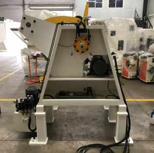 MT-300F Uncoiler Machine For Heavy Metal Coil Capacity With Pneumatic Pressing Arm