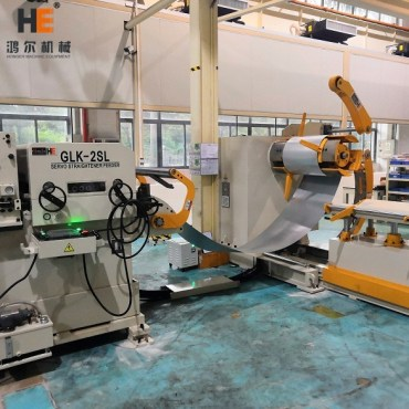 Installing 3 In 1 Decoiler Straightener Feeder Machine For Gree Electric Production Line