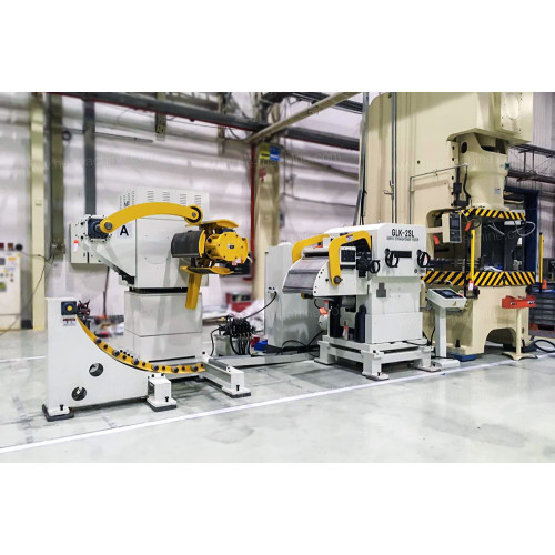 Double decoiler coil feeding line for quick coil change