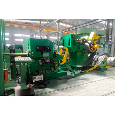 Coil feeding line with dual decoiler machine for quick coil change