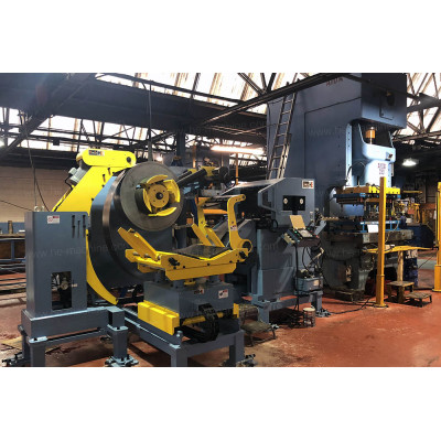 Steel auto parts pressing line with servo coil feeding line GLK4-600H decoiler straightener feeder