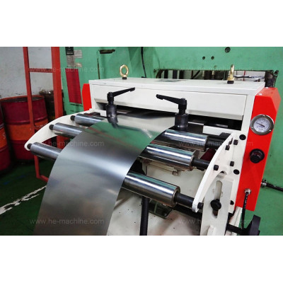 Servo roll feeder machine with standing base, work with AIDA press for electronic parts stamping