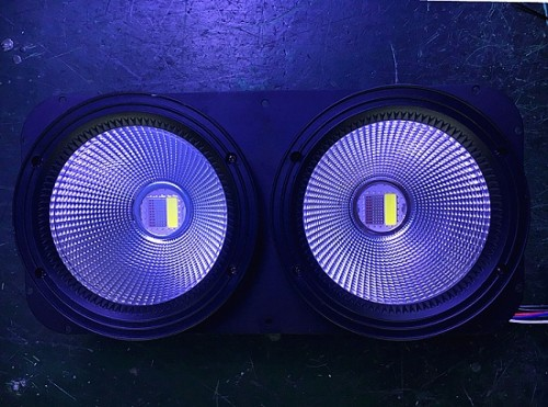 2 Eyes Stage Light LED 200W COB Audience Matrix Blinder
