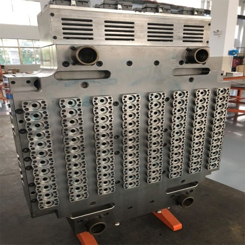 Multi cavity PET preform mold for plastic injection machine