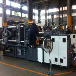 CST2000/16100  plastic injection molding machine