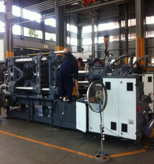 CST2000/16100  plastic injection molding machine