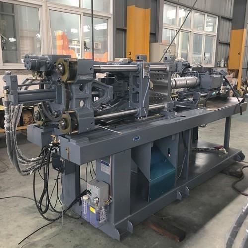 CST470-Ⅰ/2800 injection molding machine