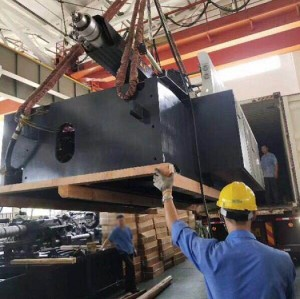 CST128/420 injection molding machine