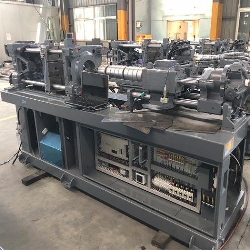 CST1300/12000 injection molding machine